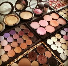 A #makeup lovers dream come true. Imagine all the #beauty looks that could be created... We would definitely be #inspired by #uptowngirl #dresses!  www.uptowngirl.com