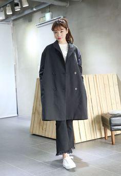 10's trendy style maker en.66girls.com! Classic Peaked Double-Breasted Coat (DGIB) #66girls #kstyle #kfashion #koreanfashion #girlsfashion #teenagegirls #fashionablegirls #dailyoutfit #trendylook #globalshopping