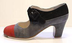 Begoña Cervera Flamenco dance shoe. Flamenco dance shoes Tricolor II model