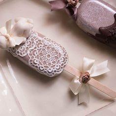 Magnum Chocolate, Chocolate Dome, Chocolate Fondant, Mini Cakes, Cupcake Cakes, Paletas Chocolate, Rose Cake Design, Gourmet Candy Apples, Magnum Paleta