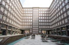 Hamburg Innenhof Multi Story Building, Architecture, Indoor Courtyard, Hamburg, Viajes, Arquitetura, Architecture Design