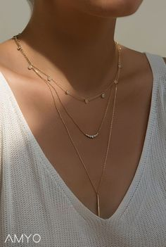 Gold Layered Necklace, How to layer necklaces, multiple necklaces, necklace everyday, minimalist jewelry layering jewelry Jewelry Necklace Layered 14k Gold Necklace, Quartz Necklace, Diamond Solitaire Necklace, Silver Necklaces, Gold Jewelry, Jewelry Accessories, Jewelry Necklaces, Beaded Necklace, 3 Layer Necklace Gold