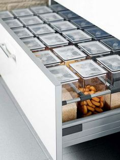 Place+Same-Sized+Canisters+in+Rows+in+a+Deep+Drawer
