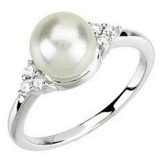 Freshwater Cultured Pearl Engagement Ring | bridesandrings.com