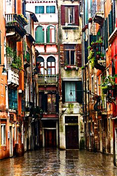 to Find Cheap Accommodation in Italy Venice: We have already been, but I can't imagine a life where I don't get to go again. I love Venice!Venice: We have already been, but I can't imagine a life where I don't get to go again. I love Venice! Places Around The World, Oh The Places You'll Go, Places To Travel, Places To Visit, Around The Worlds, Travel Destinations, Maldives Destinations, Travel Things, Travel Stuff