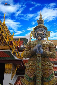 Amazing Bangkok Tour (Private Tour for 4-5 Person) Royal Grand Palace, Wat Phra Keaw, Wat Arun   - Visit Royal Grand Palace & Emerald Buddha  - Wat Phra Kaew (Temple of the Emerald Buddha)  - Cross Chao Phraya River by boat to visit Wat Arun.     http://www.thaitourismguide.com/Product/SightSeeingDetail.aspx?ProductOID=b2c07b5e-d826-4c6e-ad46-1a6399b02aaf=10