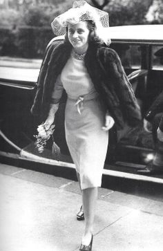 Kick arriving so proud and happy on her wedding day, 1944.♡❤❤❤♡❤♡❤❤❤♡ http://en.wikipedia.org/wiki/Kathleen_Cavendish,_Marchioness_of_Hartington