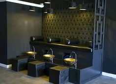 Incredibly A Nail Lounge for men only, what a great concept, great interiors too. Nail Salon Design, Nail Salon Decor, Hair Salon Interior, Salon Openings, Frida Art, Clinic Design, Spa Design, Cool Nail Art, Interior Design Living Room