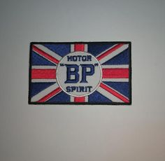 MOTOR-RACING-RALLY-SPORT-FUELS-OILS-SEW-IRON-ON-PATCH-BP-MOTOR-SPIRIT-FLAG