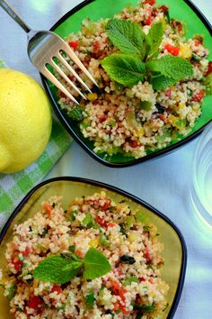 Salad Recipes 239605642659880646 - recette-facile-rapide-taboule-oriental-semoule-boulghour-menthe-coriandre-tomate-citron Source by michelelemesle Easy Salads, Easy Meals, Tabouleh Salat, Oriental Salad, Oriental Rug, Healthy Salad Recipes, Healthy Food, Food Inspiration, Food And Drink