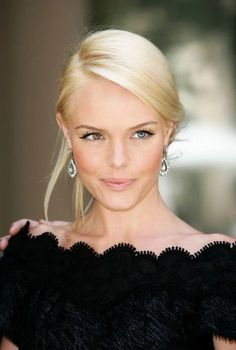 glamourous yet natural makeup // kate bosworth, love her eye colors! Their so pretty and go great together!