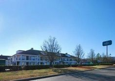 Book A Room At The Quality Inn Hotel In Seneca Sc This Is Located Near Lake Keowee Clemson University Hartwell