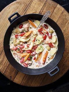 Fiskgryta med tomater och rotfrukter Fish stew with tomatoes and root vegetables Easy Fish Recipes, Easy Healthy Recipes, Seafood Recipes, Chicken Recipes, Cooking Recipes, Fish Dinner, Dinner Menu, Healthy Pastas, Healthy Pumpkin