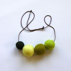 felt balls necklace, helloshiso