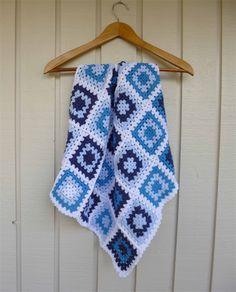 baby blanket | crochet granny squares | navy, royal blue, pastel blue, white