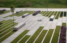 Galería de Plaza Deichmann / Chyutin Architects - 8
