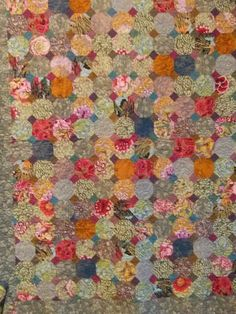 """Made by Kaffe Fassett, Liza Prior Lucy and Judy Irish. From the """"Kaffe Fassett and the Victoria and Albert Quilts"""" exhibit at the 2005 International Quilt Festival. Aberdeen Art Gallery, English Paper Piecing, Scrappy Quilts, Snowball, Bows, Crafty, Blanket, Quilting Ideas, Diy"""