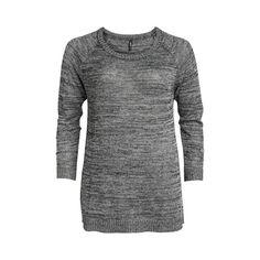 Melerad finstickad tröja med silverlurex från XLNT. Ledig modell med ribbstickad halsringning, ärmslut samt nederkant. Längd 75 cm i storlek 48/50.