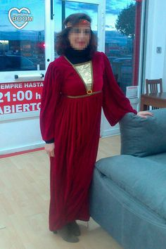 Hoy hemos cambiado el uniforme rojo por divertidos y originales disfraces. ¡Nos lo hemos pasado pipa! Trabajo, compromiso y buen rollo a vuestra disposición. ¡Feliz Carnaval a tod@s!