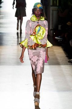 Vivienne Westwood Spring 2015 Ready-to-Wear Collection  - ELLE.com