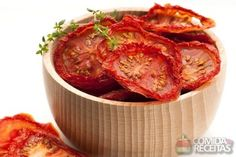 Receita de Tomate seco no microondas Brazilian Dishes, Go Veggie, Salty Foods, Cooking Recipes, Healthy Recipes, Dried Tomatoes, Budget Meals, Going Vegan, Food Hacks