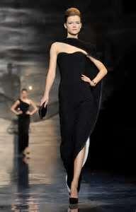 Beautiful lines in the dress. Love Armani!