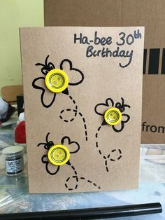Bee Game How super cute! Thank you for this nice idea for our n . Bee Game How super cute! Thank you for this nice idea for our next bees and ladybug party for child Handmade Birthday Cards, Happy Birthday Cards, Greeting Cards Handmade, Ladybug Party, Bee Cards, Button Cards, Paper Cards, Scrapbook Cards, Scrapbooking Layouts