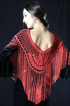 Mantoncillo Abanico Crochet Tunic, Crochet Yarn, Easy Crochet, Knit Crochet, Flamenco Costume, Belly Dance Costumes, Crochet Crafts, Crochet Projects, Crochet Scrubbies