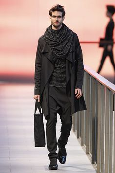 Celia Vela outfit, very sober and classic, use of noble materials and relaxed shape,  low crotch trousers and an oversized scarf makes this suit timeless  and effortless. FW14/15. 080 Barcelona Fashion Week