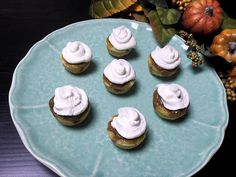 Mini Pumpkin Pies with Vanilla Whipped Cream | My Creative Twist