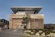 Modern Beach House Camouflaged as Driftwood Box: Lamble Residence