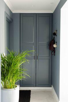 Fargevalg i leiligheten - Ida Gran Jansen Ikea, Tall Cabinet Storage, New Homes, Interior Design, Furniture, Home Decor, Cabinets, Cloakroom Basin, Nest Design