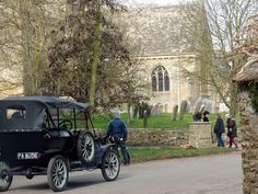 Filming Season 4 of Downton Abby in Bampton, UK