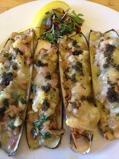 Baked Razor Clams with Garlic and Fontina Cheese