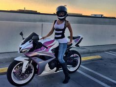 that bike though Lady Biker, Biker Girl, Yzf R125, Chicks On Bikes, Custom Sport Bikes, Motorbike Girl, Motorcycle Bike, Hot Bikes, Biker Chick