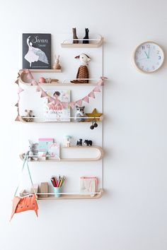 XL shelf in Girl Rooms – Hide And Sleep