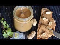 Temps de préparation : 15-20min Ingrédients: - 250 g de cacahuètes non salées - 1cas d'huile d'arachide ou de colza - 1cas de sirop d'agave ou de sucre de ca...