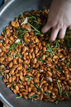 rosemary almonds..love to serve this w an italian twist for aperitivi time at one of our weddings in italy