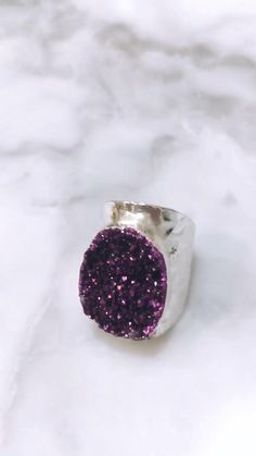#Druzy #druzyring #Drusy #drusyring #Agate #agatering #Geode #geodering #Turquoise #turquoisering #bohoring #boho #bohemian #bohemianring #Ring #Adjustablering #HammeredGold | #Etsy Druzy Quartz, Quartz Ring, Agate Ring, Druzy Ring, Pewter Color, Copper Rose, Hammered Gold, Turquoise Rings, Boho Rings