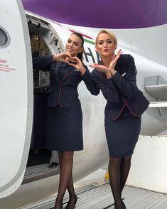 Air Hostess Uniform, Cabin Crew Jobs, Airline Uniforms, Female Pilot, Pantyhose Outfits, Girls In Mini Skirts, Military Women, Girls Uniforms, Black Stockings