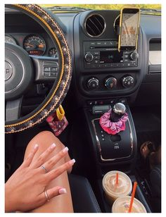 Hippie Auto, Hippie Car, Bentley Auto, Custom Car Interior, Car Interior Decor, Interior Ideas, Interior Design, Car Interior Accessories, Car Accessories For Girls
