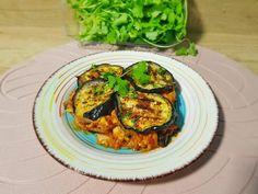 Reteta culinara Mancare aromata cu vinete si pui din categoria Pui. Cum sa faci Mancare aromata cu vinete si pui Garam Masala, Zucchini, Chicken, Vegetables, Cooking, Food, Kitchen, Essen, Vegetable Recipes