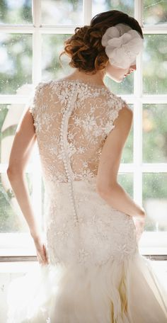 White and Gold Wedding. Sweetheart Neckline, Lace Trumpet Wedding Dress. Sareh Nouri gown and Enchanted Atelier