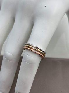 Jonc en or avec diamants Bangles, Bracelets, Minimalist Jewelry, Bangle Bracelet, Bracelet, Cuff Bracelets, Bangle, Arm Bracelets, Arm Bracelets