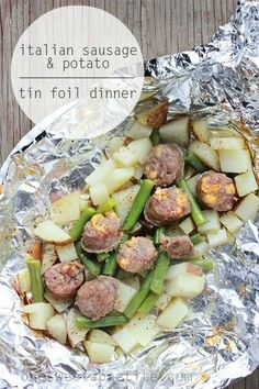Italian Sausage and Potato Tin Foil Dinner- A great all in one meal on the grill! Make this easy foil packet dinner with your favorite Johnsonville Italian Sausage or Brats! Tin Foil Dinners, Foil Packet Dinners, Foil Pack Meals, Foil Packets, Hobo Dinners, Easy Dinners, Sausage And Potato Bake, Sausage Potatoes, Sausage Casserole