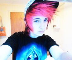Omg He is So Cute! I lovesh his hair!