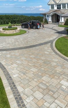 grand thornbury driveway with courtstone accent - Photos Circle Driveway Landscaping, Brick Paver Driveway, Modern Driveway, Driveway Design, Backyard Landscaping, Driveway Ideas, Driveway Gate, Fence Ideas, Patio Design