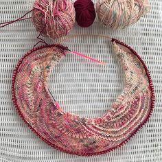 Ravelry: Circles Galore Knitalong pattern by Iris Schreier