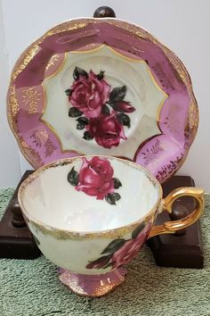Vintage Cup & Saucer Made in Japan Roses, Pink, Gold Trim, Hand painted Antique Tea Cups, Vintage Cups, Vintage Dishes, Tea Cup Set, Tea Cup Saucer, Tea Rose Garden, Roses Garden, Cup And Saucer Crafts, Pink Coffee Cups