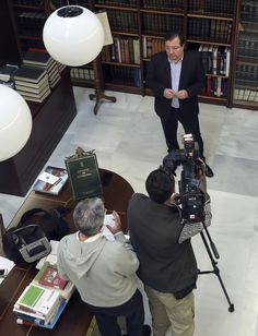 El presidente de la Junta de Extremadura, Guillermo Fernández Vara, durante una entrevista con EFEverde. Foto: JJ Guillén (EFE)